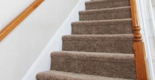 Comment poser de la moquette sur les escaliers ?